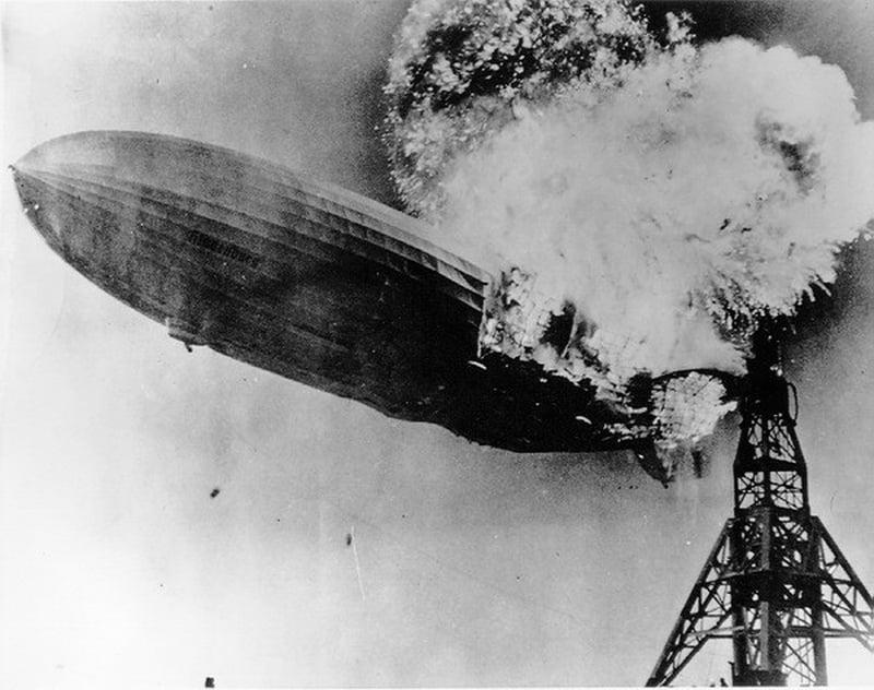 Hindenburg Zeplin Kazası Resimleri Patlama Anı