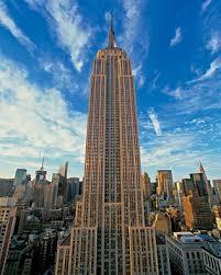 Yukarıda da görüldüğü gibi bina alttan yukarıya doğru azalmış görünmektedir .Nedeni ise hacmi azaltıp kesit alanı arttırmaktır