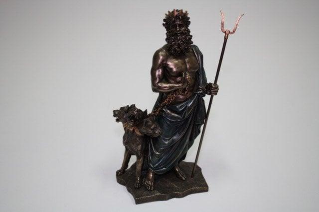 Hades ve Köpeği Kerberos.