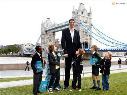 Dünyanın En Uzun Adamı