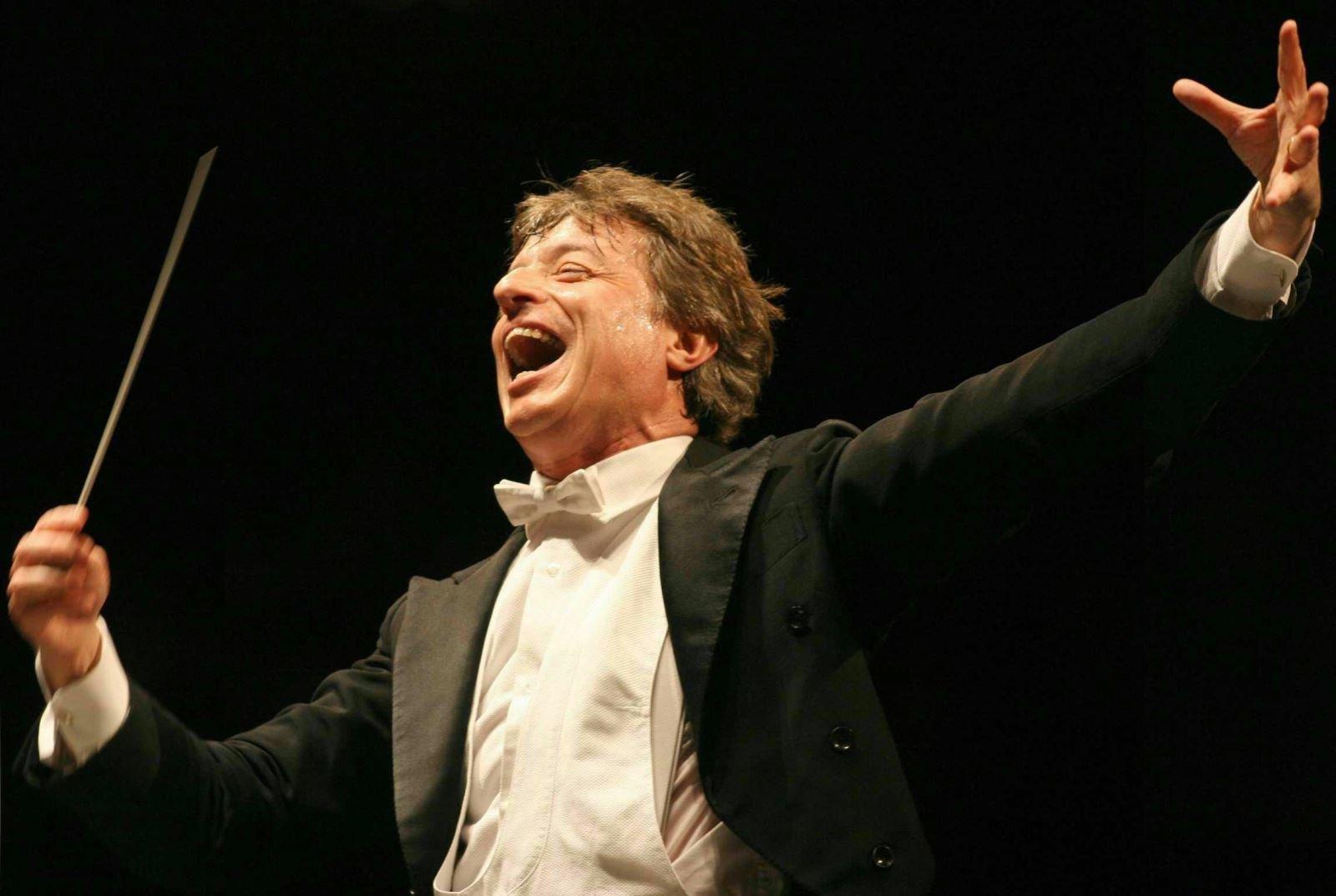 Orkestra Şefinin Adı